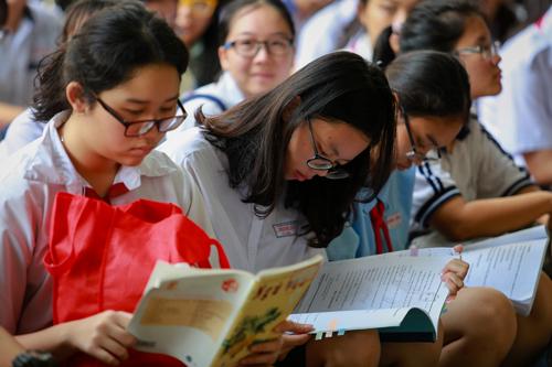 Nữ du học sinh viết thư 'ly dị' môn Văn
